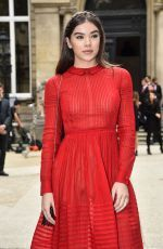 Hailee Steinfeld attends the Valentino S/S 2017 Show at Paris FW http://celebs-life.com/hailee-steinfeld-attends-valentino-ss-2017-show-paris-fw/  #haileesteinfeld