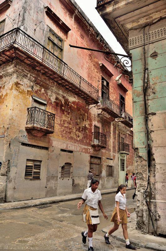 Coming back from school - La Habana, Cuba http://www.cuba-junky.com/havana/havana-city.htm