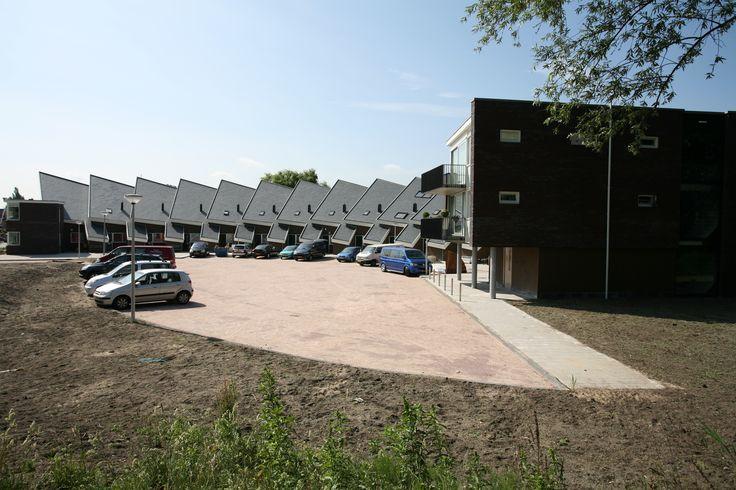 Nieuwbouw 14 eengezinskoopwoningen en 5 koopappartementen.