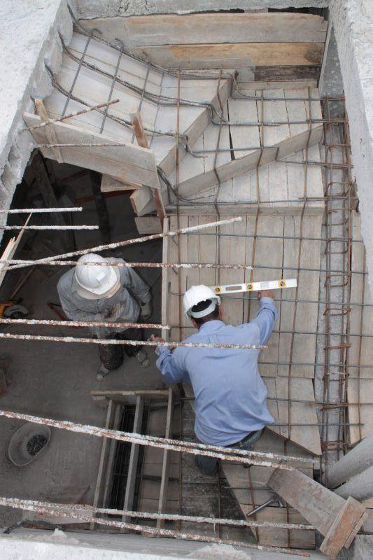 Estructura de hierro en gradas #Alexina2 #CimentacionesEstructura