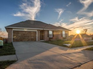 View 18 photos of this $130,000, 3 bed, 2.0 bath, 1207 sqft single family home located at 2816 W Cover Dr, Ozark, MO 65721 built in 2010. MLS # 60096059.