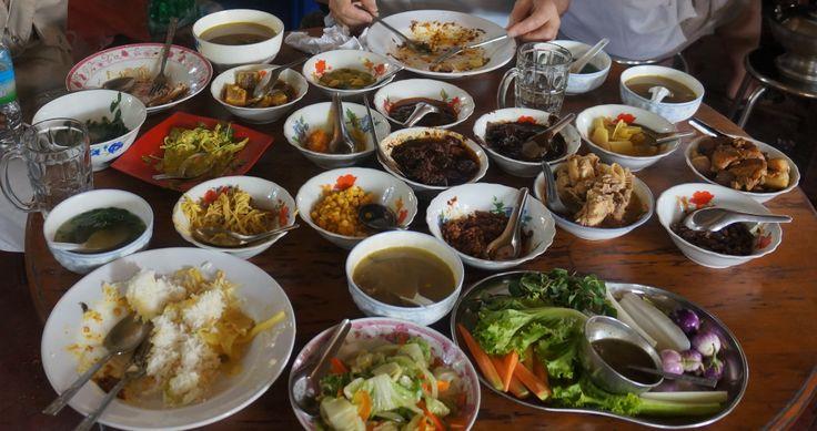 Myanmar Buffet, traditional foods Life in Myanmar