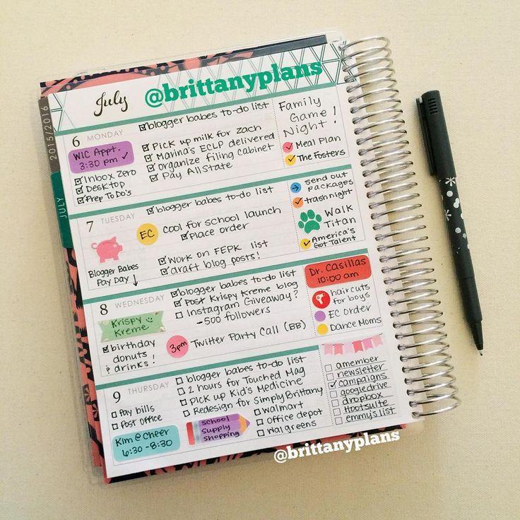Cute @erincondren horizontal life planner spread.