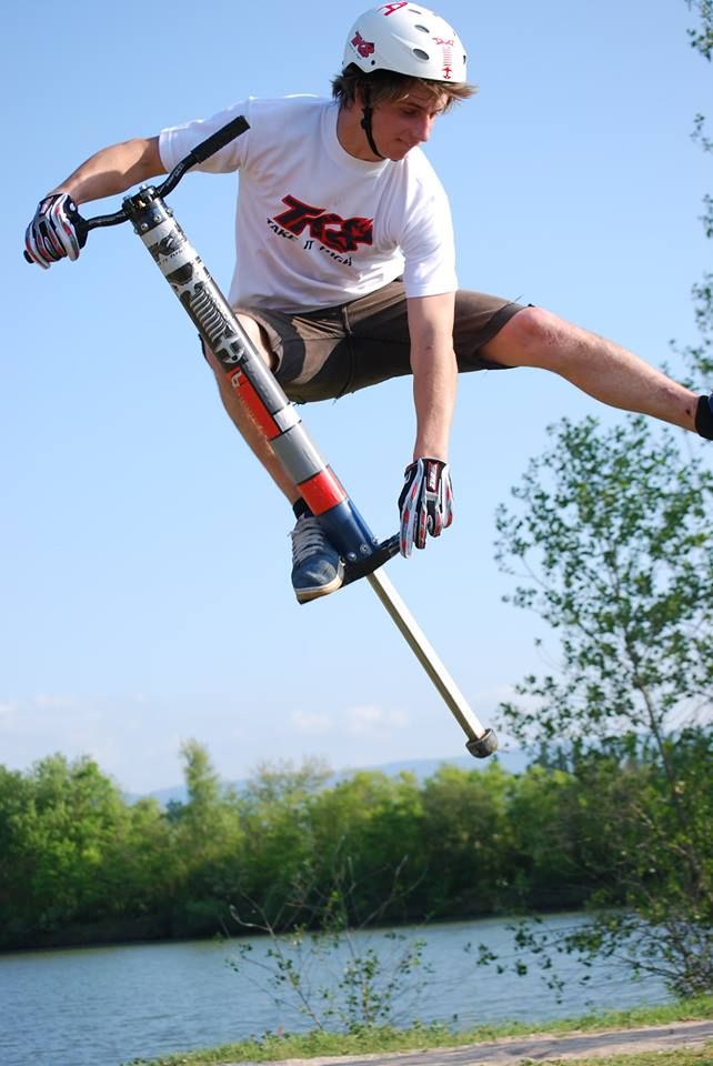 TK8 // Pogostick Pro Air // 2012 Pogo stick et tricks ! …