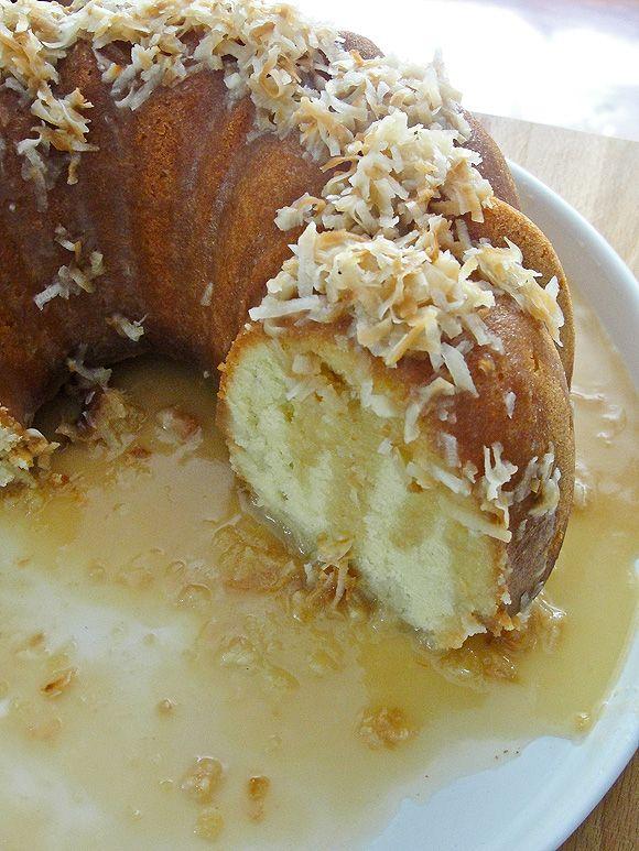 Bahamian Johnny Cake With Coconut