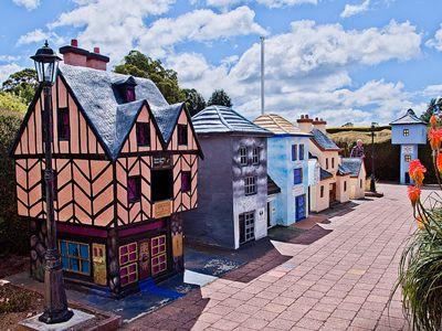 Tasmazia, model village