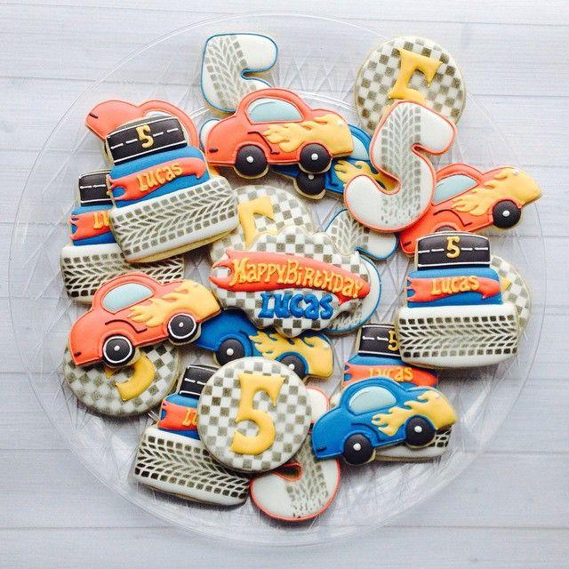 #madriscookiekitchen #racecar #birthday #cookies
