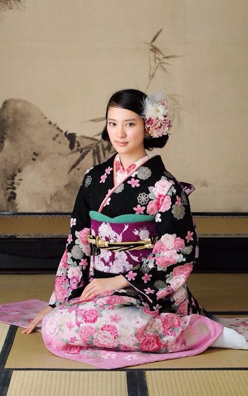Emi Takei 武井咲