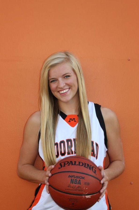 Volleyball statt Basketball #basketball #basketball #photoshoot   – Graduation Portraits