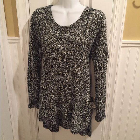 """Marled sweater Oversized high low sweater. About 28"""" long in the front. Express Sweaters Crew & Scoop Necks"""