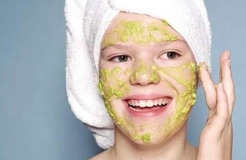 Maschera viso fai da te: banana elasticizzante come il botox