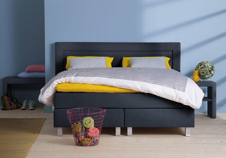 We verzekeren je de beste kwaliteit voor een gunstige prijs. Iedereen verdient immers het bed van zijn dromen dus van de prijs hoef je nooit wakker te liggen. • Boxspring Karlstadt •  #totaalbed #slaaplekker #boxspring #luxe #bed #bedroom #slaapkamer #interiordesign #interior #sleep #hotelbed #goodmorning #goodnight #interieur #interieurdesign #bluebedroom #wonen