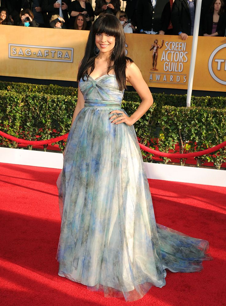 SAG Awards 2013: Red Carpet Dresses: Zuleikha Robinson