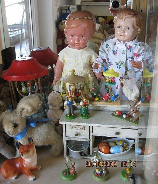 Antike Schildkrötpuppen, Neue Steifftiere, Sammlersteiftiere, Puppenhäuser, Puppenstuben, Antik Spielzeug, Barbie, Eisenbahn HO Winterlandschaft, Lundby, Stockholm Lundby, Puppenkleidung,Hummelfiguren