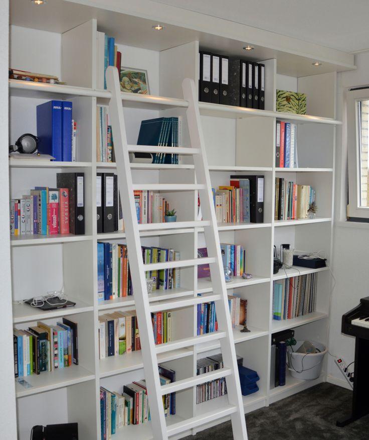 """custommade bibliotheekkast, voorzien van LED verlichting en ladder. design & production by: """"HANS"""". (www.hansknepper.nl)"""