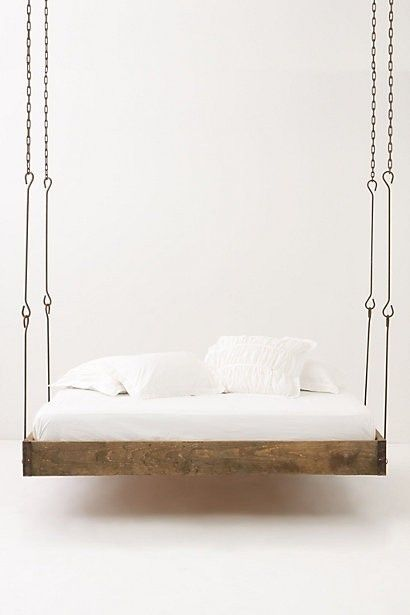 Decor Hacks :     Hanging Pallet Bed.. I would love to have this on the back porch.    -Read More –   - #Hacks https://decorobject.com/hacks/decor-hacks-hanging-pallet-bed-i-would-love-to-have-this-on-the-back-porch/