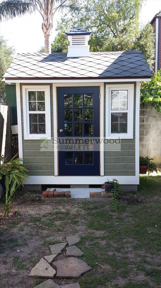 This small, but cute garden shed will completly change the look of