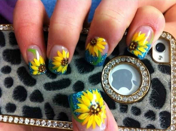 Teal tips and sunflower nails. - 25+ Unique Sunflower Nail Art Ideas On Pinterest Sunflower Nails