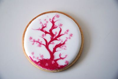 Karen Anne Cakes: Restjes icing opmaken, kersenbloesem koekjes