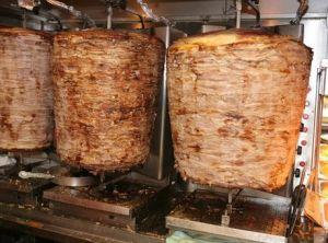 Γύρος ονομάζεται το έδεσμα που αποτελείται από κομμάτια χοιρινού κρέατος...Τον νοστιμότερο γύρο τον κάνει κρέας από http://e-gyradiko.gr/%CE%B3%CF%85%CF%81%CE%BF%CF%82/?utm_content=bufferf84ba&utm_medium=social&utm_source=pinterest.com&utm_campaign=buffer