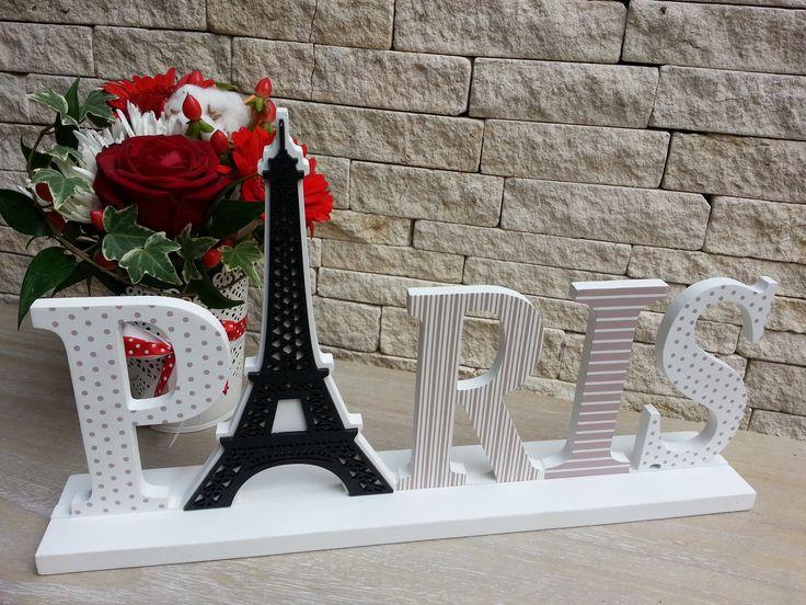 Litere PARIS (Paris letters)
