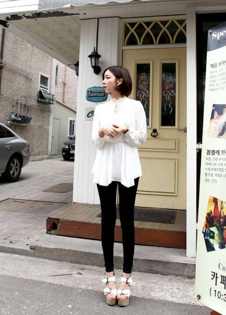 Yoon Ah Ra shopping mall Fitting Model - http://www.luckypost.com/yoon-ah-ra-shopping-mall-fitting-model/