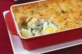 A homely, hearty fish pie Slimming World recipe.  Made with low-fat ingredients, this is a great alternative to classic, creamier fish pie recipes.