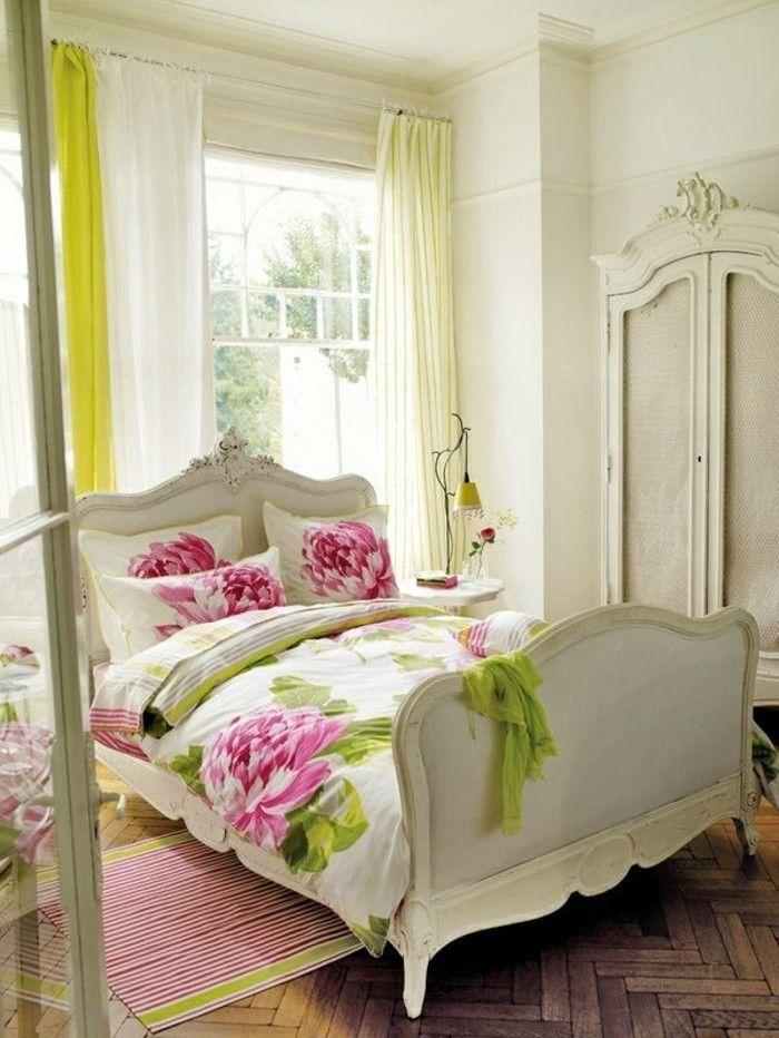 deko ideen schlafzimmer bettwäsche blumenmuster hellgelbe gardinen