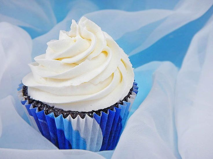 Oh, this frosting. You need this frosting. It's simply sensuous, like slipping under a pure white down comforter on a plush four-star hotel bed. Fresh whipped cream provides lightness while cream cheese delivers body. The combination makes this recipe airier than traditional cream cheese frosting but more substantial than whipped cream frosting.Once you sample a silky spoonful, you may toss all [...]