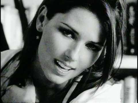 Music video by Shania Twain performing When You Kiss Me. 2002  I fell in love with this the moment I saw it. How can you not be a Shania Twain fan after experiencing this vid?