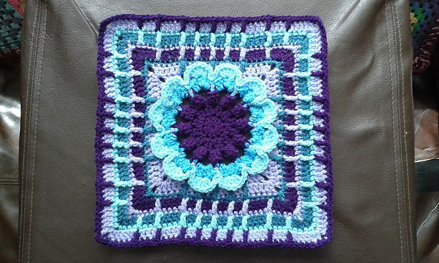 The 12 inch block called Rachel Block by Melissa Green is a lovely square, easy to make and clear and it looks absolutely amazing.