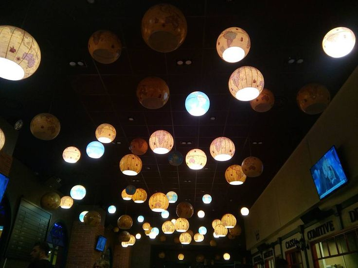 Lampadari mappamondo ������ #lampadari #lamps #mappamondi #globes #luci #lights #oggettidarredamento #soffitto #details #creativity #ristorante #restaurant #BillyBrace #Torino #Turin #Piemonte #Italy #nofiltro #nofilter http://www.butimag.com/ristorante/post/1468825251060441317_1693527422/?code=BRiUMielODl