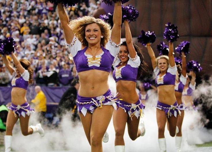 Minnesota Vikings cheerleaders - one of my favorite half time distractions - Stian - santakeepers.com