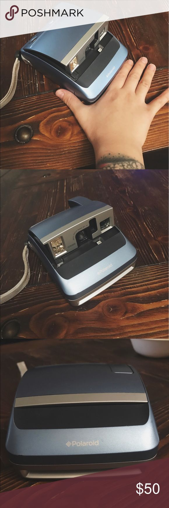 "♥️CLEARANCE 📸✨ Polaroid One 600 Instant Camera EUC Works perfect. Compact size, produced in the 2000's. 📸✨✨✨ Film found at Urban Outfitters website or via google ""impossible film"" Polaroid Other"