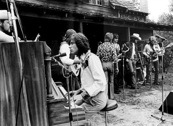 Chicago performing at Caribou Ranch, 1974