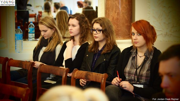 Zuza, Asia, Karolina, Anita podczas Debaty Oxfordzkiej w Pałacu Tyszkiewiczów.