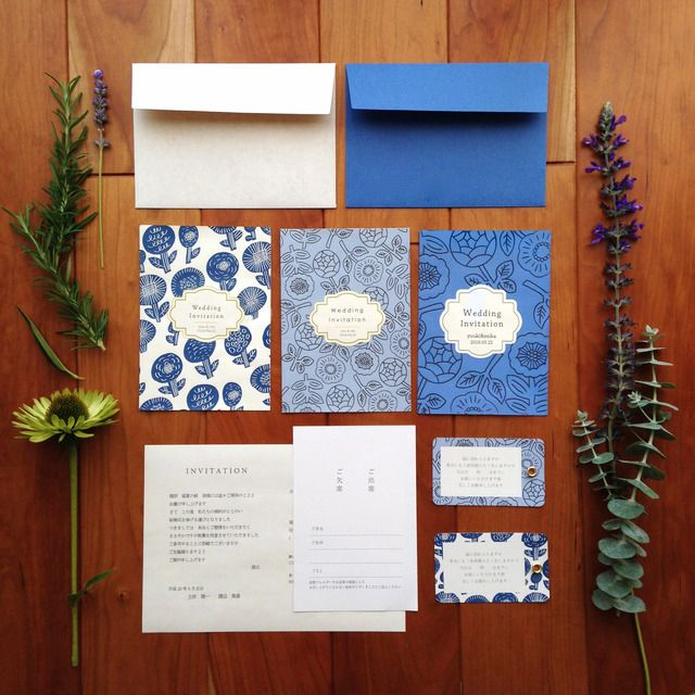 オーダーメイドの結婚式 招待状セットです。「minneウェディング特集」にてご紹介頂きました!『サムシングブルー』にちなんで幸せの青い招待状をお作りしました。華やかな結婚式に合わせてたくさんのお花たちを散りばめて。大切な結婚式ペーパーアイテムだってお気に...