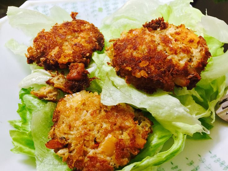 Crab Cakes on a Bed of Greens-yum!