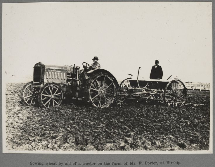A McCormack-Deering tractor on the property of Mr. F. Porter, Birchip in 1926. Photo: State Library of Victoria's Victorian Railways Reso Tour photographs.