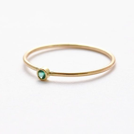 Emerald Engagement Ring 14K Solid Yellow Gold door BlueRidgeNotions, $176.00
