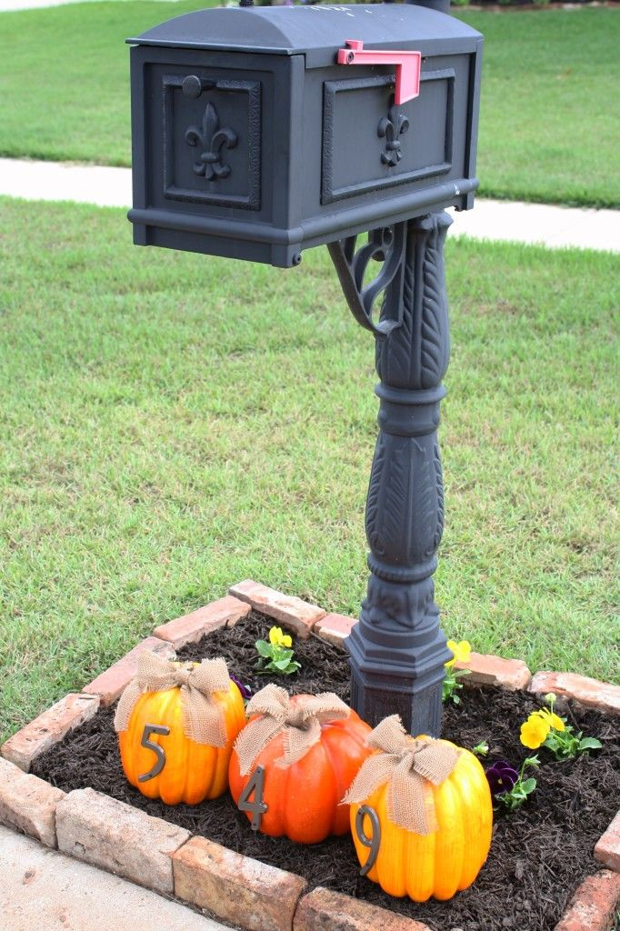 Flower Beds Around Mailbox | We created a little flower bed around our new mailbox and I decided ...