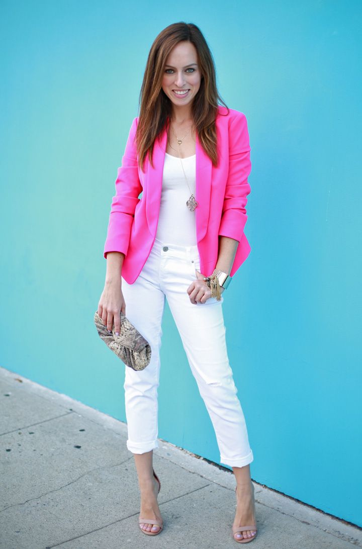 Sydne Style Old Navy how to wear neon white jeans summer ...