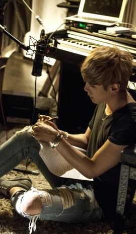 Preparing new song ^^