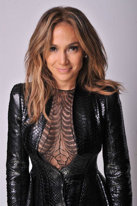 Jennifer Lopez. Can be sweet and soft and then BAM sexy. How I ask? HOW?