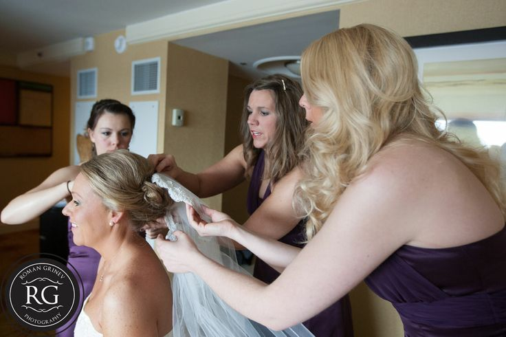 bride getting ready at Renaissance Harborplace Hotel