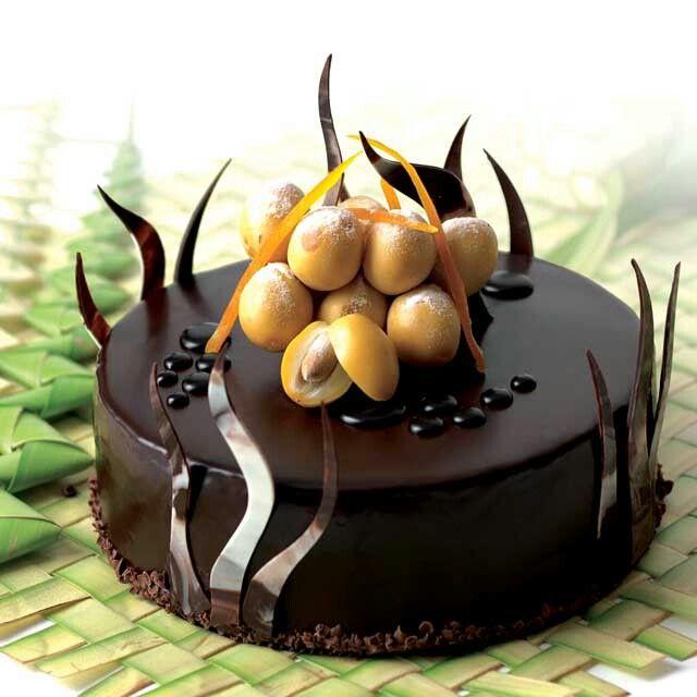 In the deep chocolate ocean  #tulipchocolate #chocolatecake #chocolovers