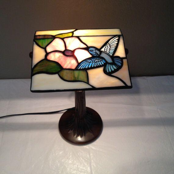 Vtg Tiffany Styled Lead Stained Glass Hummingbird Flower Desk Lamp Tree Trunk