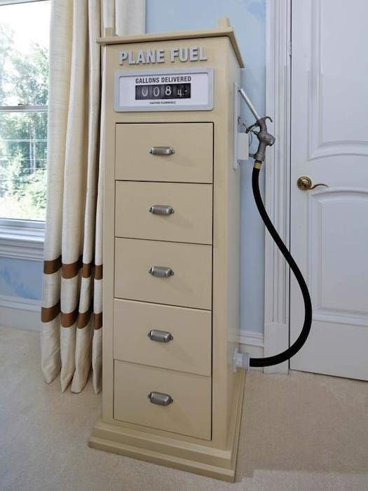 Very clever use of tall dresser.....aviationthemebedroom_6