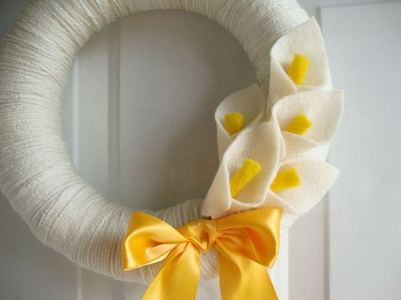 Love this Idea!!! Yarn Wreath Calla Lilly 10 by AnnaHailey on Etsy, $39.00