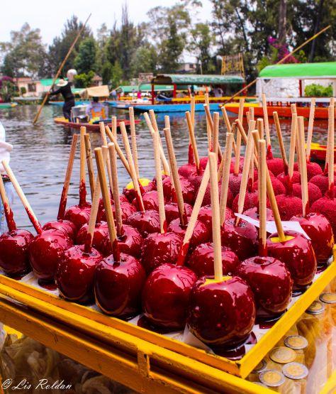 Trajineras, Xochimilco, México, Food, Apples